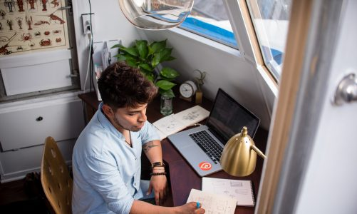 Full-Time Freelancing Lures More Americans
