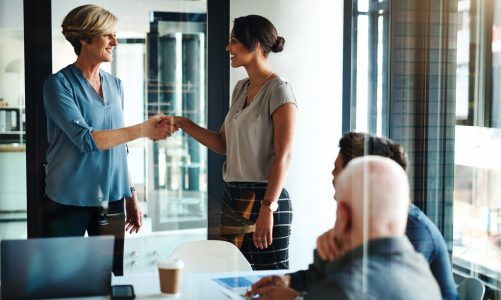 3 Steps for Onboarding Remote and In-Person Employees That Make Your Hybrid Team More Collaborative