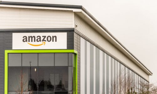 Carrier and tracking information for shipping to Amazon FBA